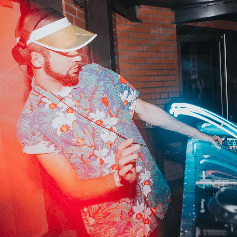 Funk Embassy ft. Steps To Synapse DJ-jam